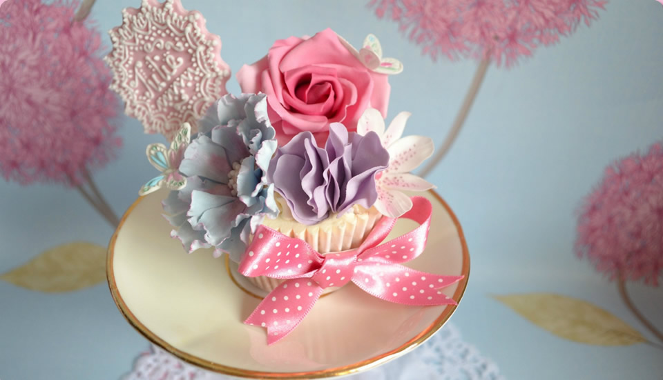 Stunning Floral Decorations for Wedding Cakes and Cupcakes by Homebaked Heaven of Harrogate, North Yorkshire